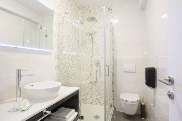 Deluxe Room Bathroom Intermezzo Hotels in Pag