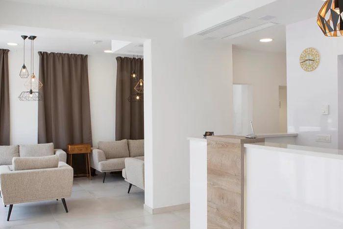 Intermezzo Hotel Peg Lounge Reception 2 1