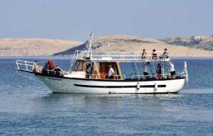 Boat Excursion Intermezzo Hotels in Pag Services