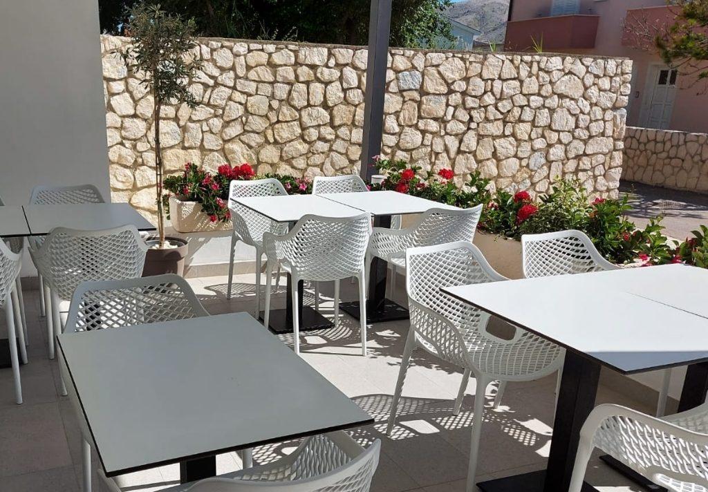 Outdoor breakfast space at Hotel Intermezzo Pag